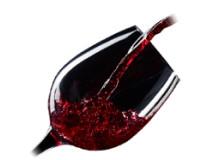 """Vini Siciliani. La Sicilia è la regione italiana con il più elevato patrimonio vitivinicolo di tutta la nazione. Vini bianchi, rossi, dolci e da dessert. I terreni coltivati si concentrano per il 65% in collina; per il 30% in pianura e per il restante 5% in montagna; tra le province che danno vita ai migliori vini siciliani la più vitale è Trapani, seguita da Agrigento e Palermo. La Sicilia può contare, per la produzione dei suoi vini, su un patrimonio di quasi 150 mila ettari di vigneti; il 77% dei quali è coltivato ad uva bianca, mentre il restante 23% è riservato alla vite a bacca rossa.  La coltivazione della vite e la vinificazione fu portata in Sicilia occidentale dai fenici. Nella Sicilia orientale la vitivinicoltura si diffuse sin dall'epoca della colonizzazione greca con il tradizionale sistema detto ad """"alberello"""". Alla fine degli anni '50 la Regione Sicilia diede vita alle cantine sociali; che raggrupparono i piccoli produttori vitivinicoli in cooperative. A partire dagli anni '70 l'affinarsi delle tecniche di vinificazione; ha portato all'istituzione di numerosi vini a denominazione d'origine controllata. Numerose sono le Case vinicole che si sono poste ai vertici del mercato vinicolo nazionale tra le quali Florio; Vini Corvo, Pellegrino, Planeta, Firriato, Tasca d'Almerita, Cusumano, Fazio wines e Donnafugata."""