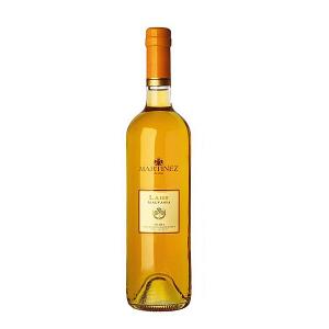Laus Malvasia Vino Liquoroso Dolce Martinez Sicilia. La linea Laus raccoglie le tre specialità Martinez dei vini liquorosi dolci I.G.P. Terre Siciliane lo Zibibbo, il Moscato e la Malvasia. La Malvasia nasce da uva Malvasia coltivata nella provincia di Trapani; è caratterizzata da elevati zuccheri e una spiccata ricchezza aromatica. I Laus sono tre bicchieri dolci; che nei loro caldi colori racchiudono tutta l'energia del sole siciliano e la ricchezza aromatica che sa alimentare.